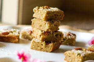 Protein Banana Bread Bars