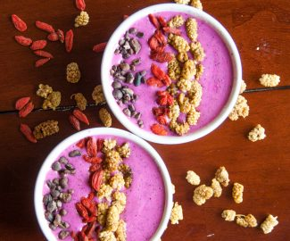 pink-pitaya-smoothie-bowl