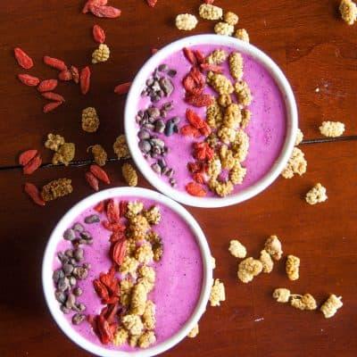 Delicious, Pink Pitaya Smoothie Bowls (vegan)
