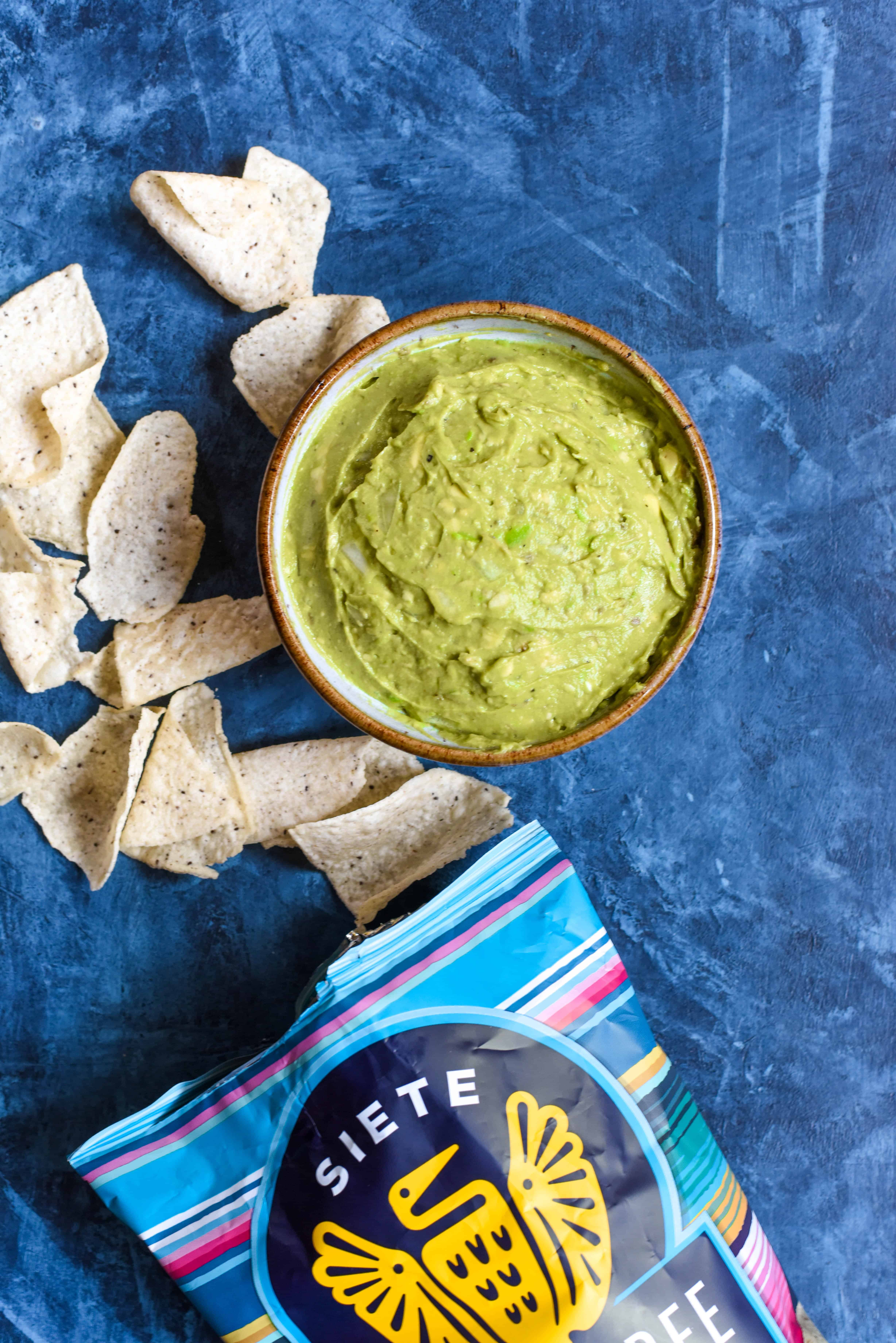 The Easiest Last-Minute Guacamole (v)