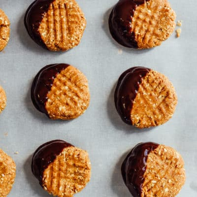 Easy No-Bake Peanut Butter Cookies (vegan)