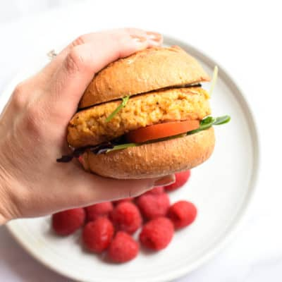 Super Simple Salmon Burgers (perfect for meal prep!)