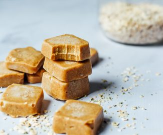 Maple Cashew Fudge Chews