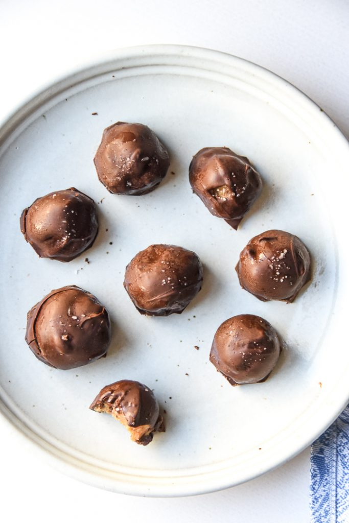 Chewy Salted Caramel Date Truffles