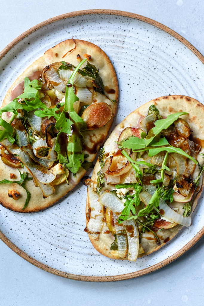 fig goat cheese flatbread