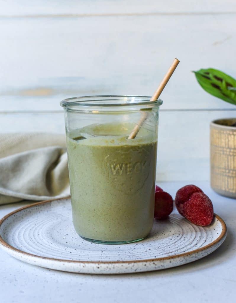 Basic Green Strawberry Banana Smoothie